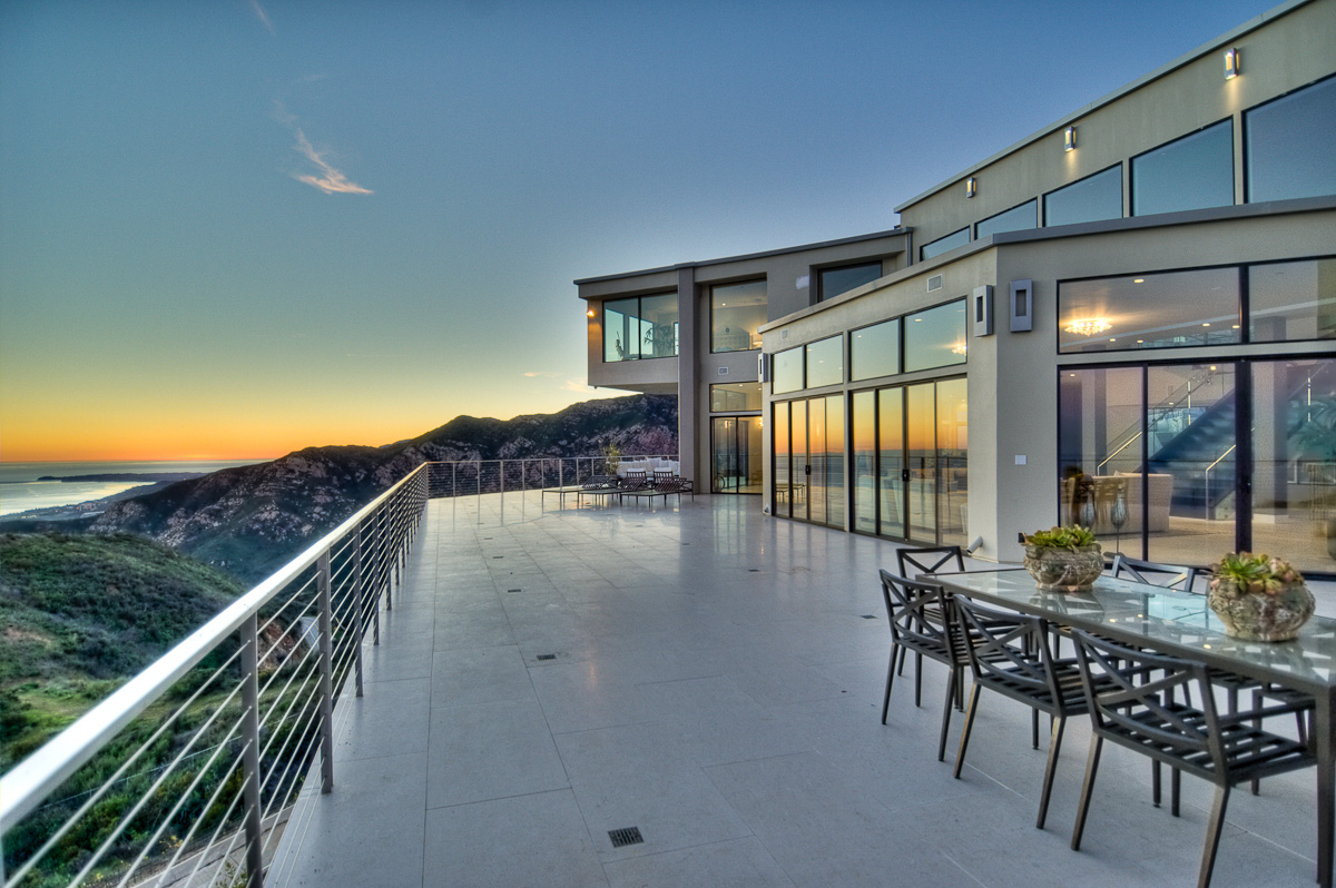2060 rambla pacifico st malibu ca 90265 for Luxury beach homes for sale in california